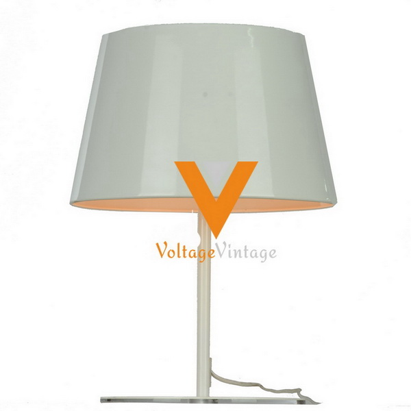 Modern twiggy table lamp